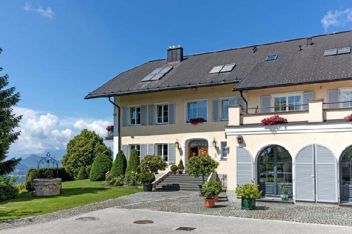 Villenbesitz in Panoramalage Nähe Salzburg IMMOSM